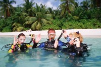 DIWA Diving Instructions Worldwide Divers in Paradise.jpg